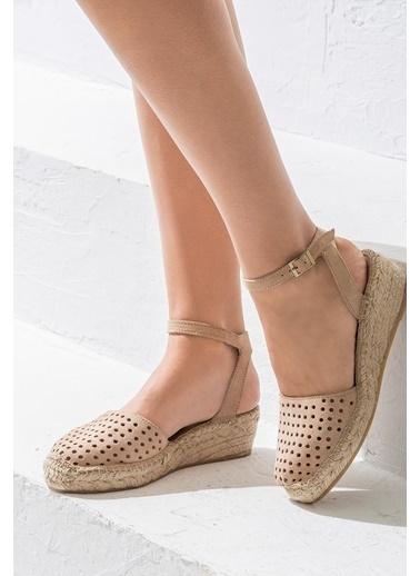 Elle Bilekten Bağlamalı Sandalet Ten